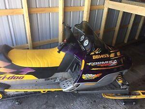 Formula Z 700 twin ski-doo $2,800.00 low Kms