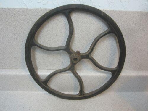 Antique 1910 Singer Treadle Sewing Machine Cast Iron Fly Wheel Beautiful Design
