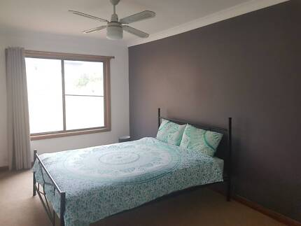 Room to rent in GLENDALE