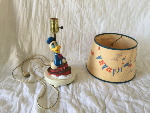 Disney Donald Duck Lamp with Shade