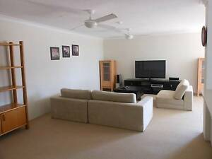 Spacious Master bedroom for rent on Burleigh Esplanade Burleigh Heads Gold Coast South Preview
