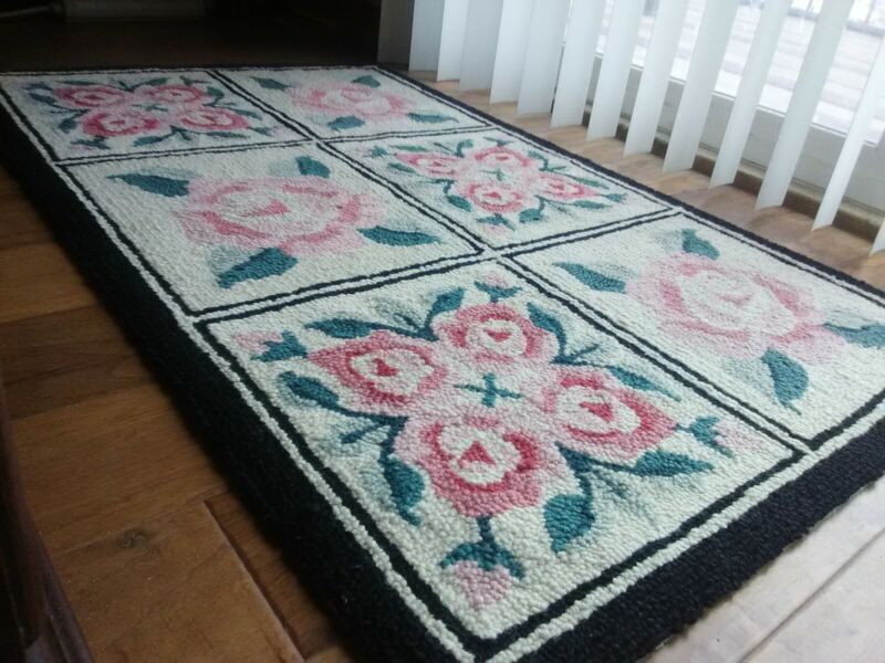Awesome vintage hand hooked rug ivory background nice colors