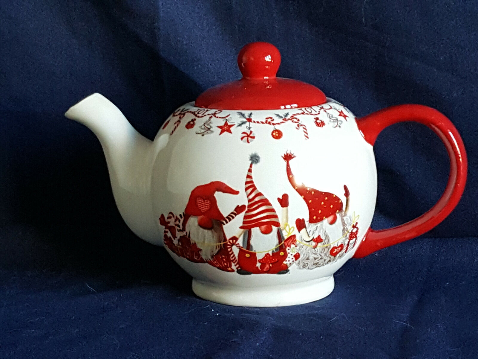 Teekanne Weihnachtswichtel Dekor aus Keramik weiss von Wurm KG
