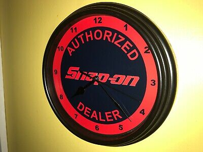 Snap On Tools Mechanic AuthDealer Garage Advertising Wall Clock Sign