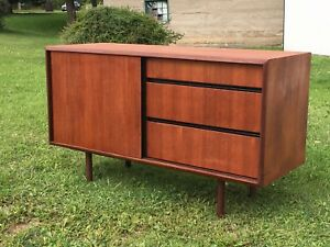 Mid-Century, Retro, Vintage Furniture - Tribute 20th