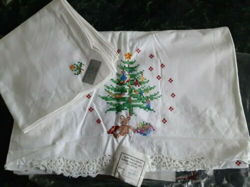 NEW Christmas Cross Stitch & Crochet Lace Tablecloth Set 52 x 70 + 8 Napkins