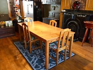 Solid Pine Dining Table w/ Solid Pine Chairs.