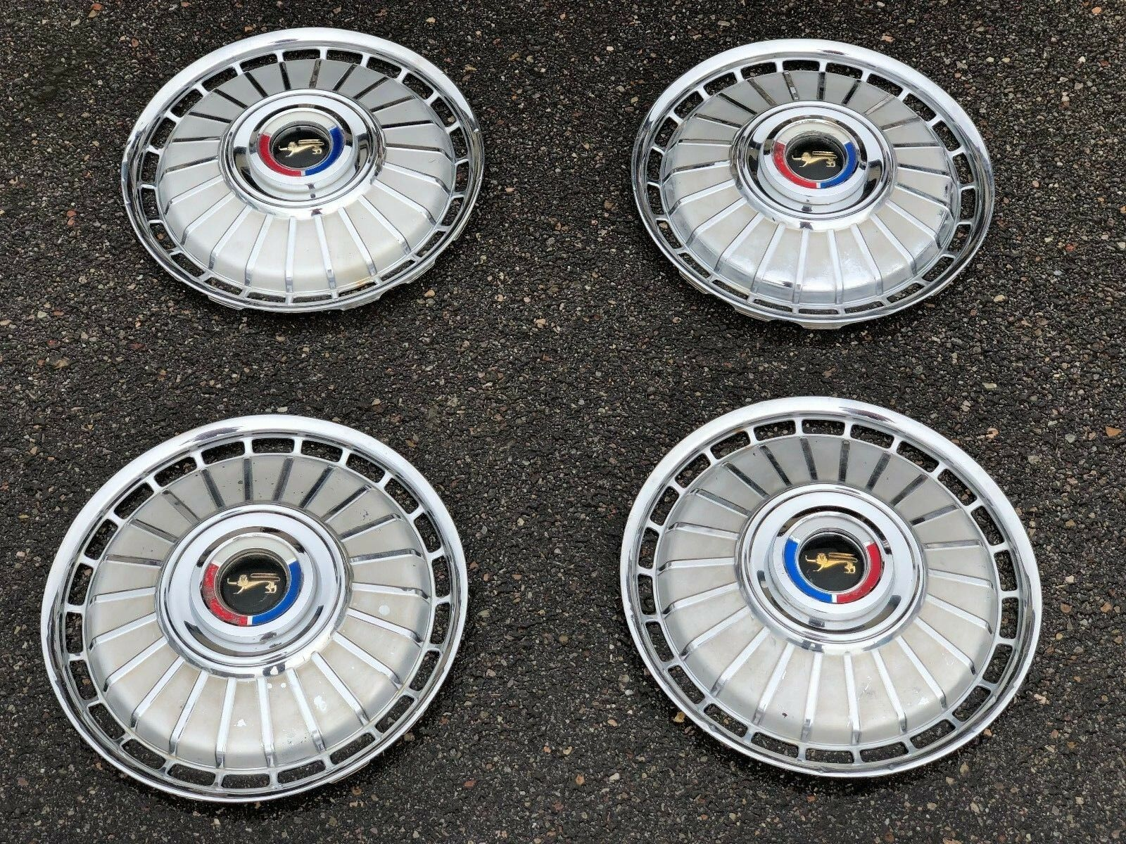 "14"" 1962 FAIRLANE COUGAR GALAXIE HUBCAPS WHEEL COVERS CENTER CAPS OEM VINTAGE"