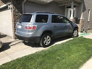 2008 gmc Acadia mint clean awd OBO amazing suv