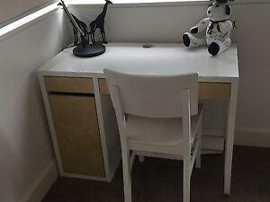 Kid's desk (white with light oak) Riverview Lane Cove Area Preview