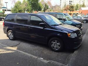 DODGE CARAVAN SE 2012 - LOW MILEAGE