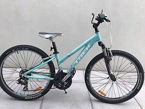 2012  Trek Sky Girls mountain bike - excellent cond! Aberfeldie Moonee Valley Preview