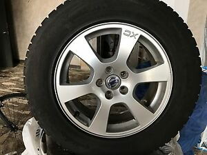 VOLVO XC60 or 70 set of winter tires on original mags almost new