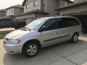 Dodge Grand Caravan 2005 stow and go