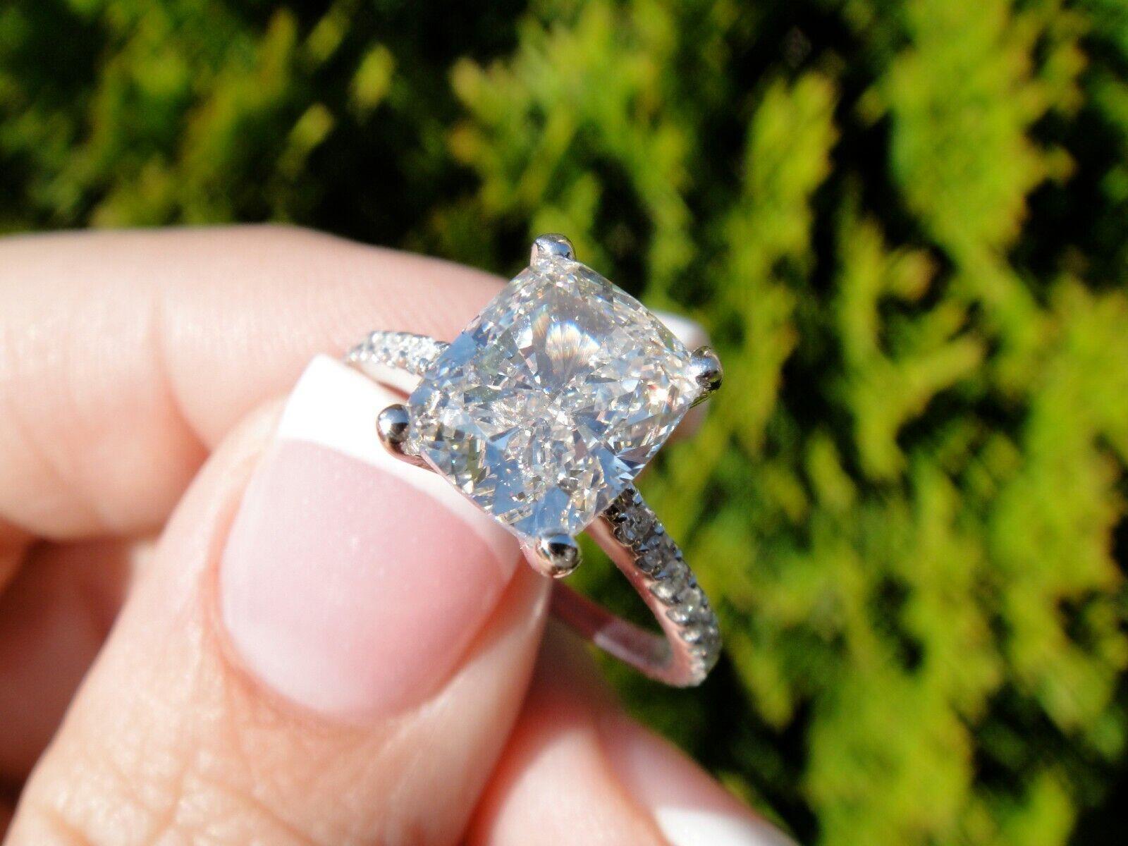 2.00 Ct Cushion Cut Diamond Engagement Ring U-Setting E,VS2 GIA 18K WG Natural 8