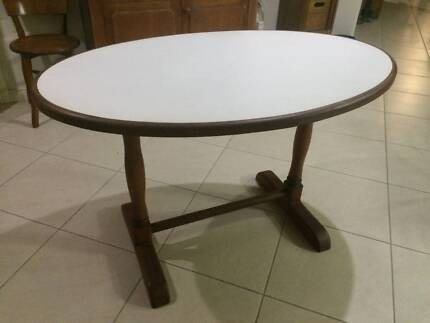 Oval Shaped Table Cleveland Redland Area Preview