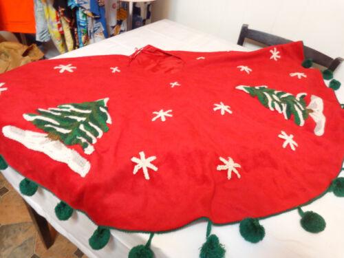 "Vintage Christmas Tree Skirt - Red/Green Fleece with Tree & Snowflake 46"" Round"