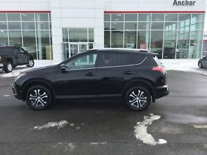 2016 Toyota RAV4 LE AUTO AIR BU CAMERA; BLUETOOTH; HEATED SEATS;