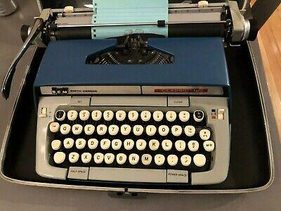 Vintage Smith-Corona SCM Classic 12 Portable Manual Typewriter w/Case