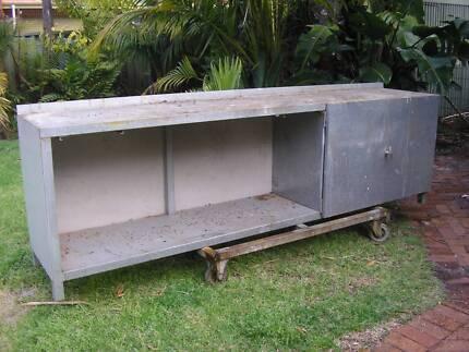 3 metre work bench 2
