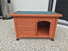 Timber dog kennel Carindale Brisbane South East Preview