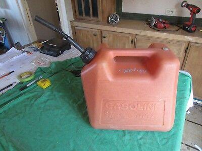 Vintage Usable 5 Gallon Vented Gas Can Blitz  Lot 18-81-5-c