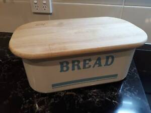 Jamie Oliver Bread Bin with Chopping Board