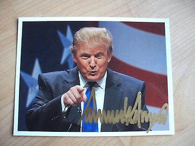Donald Trump #1     45. Präsident der USA  handsignierte Unterschrift auf Foto.