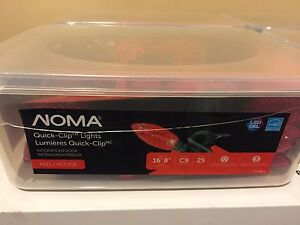4 unopened boxes of Noma quick clip lights