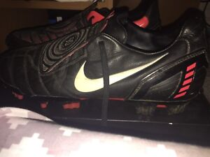 Selling Nike Soccer Cleats Size 10