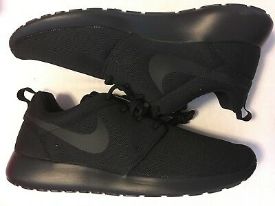Nike Roshe One Running 844994-001 Triple Black WMNS SZ 12 = Mens 10.5 NO BOX TOP