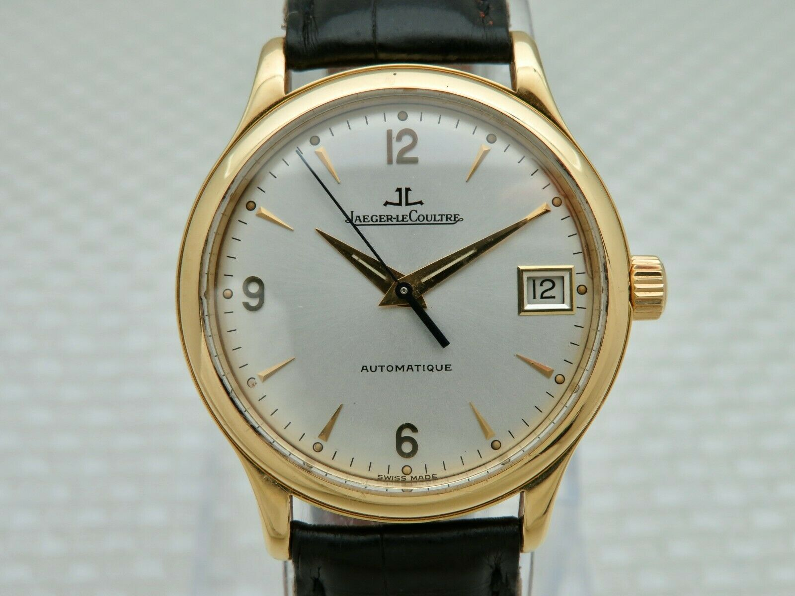1995 Jaeger LeCoultre 18K Gold Master Control Automatique Wristwatch 145.1.89 - watch picture 1