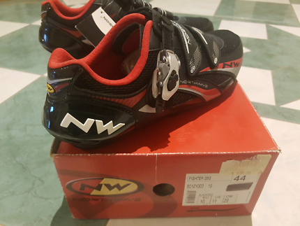 Brand new in box road cycling shoes fully adjustable carbon reinf