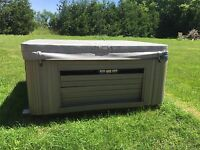 Looking for CASH guy to fix hot tub