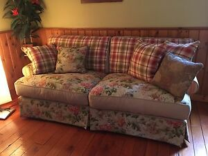 Chesterfield/ love-seat set beautiful !