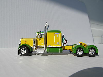 DCP 1/64 SCALE 379 PETERBILT 60'' BUNK GREEN & YELLOW (TRACTOR ONLY) 2
