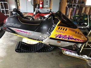 1995 Skidoo mx 470 for parts