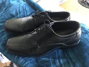Mens size 10 dress shoes. Worn once