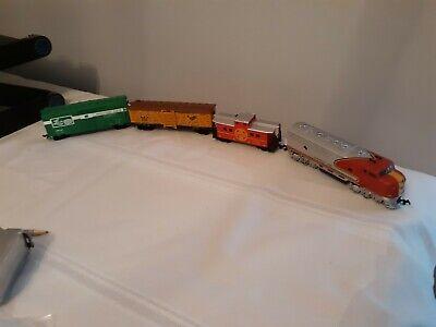 Life-Like Santa Fe HO Scale Electric engine Train Set RUNS