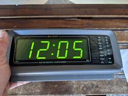 Vintage LENOXX SOUND CR-776 AM/FM Alarm Clock Radio LARGE LED DISPLAY VERY NICE