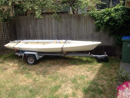 Laser sailing dinghy with 3 rigs