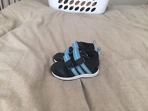 Size 5 baby adidas runners