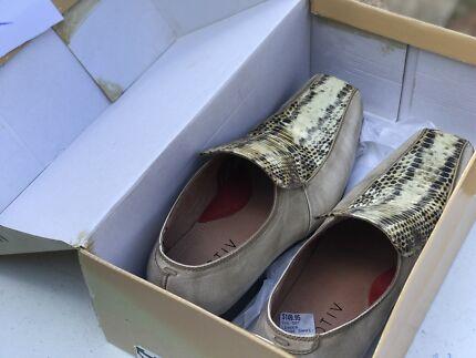 Leather snake skin men's shoes