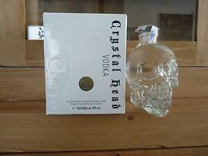 Vodka Crystal Head - France - État : Neuf: Objet neuf et intact, n'ayant jamais servi, non ouvert. Consulter l'annonce du vendeur pour avoir plus de détails. ... Marque: Crystal Head Type: Vodka Blanche EAN: 627040411438 - France