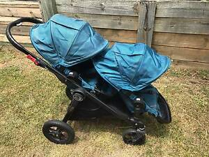 Baby Jogger City Select, Two Seats and adaptor, colour; TEAL Cleveland Redland Area Preview