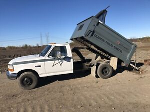 Ford 350 dompeur 6roues