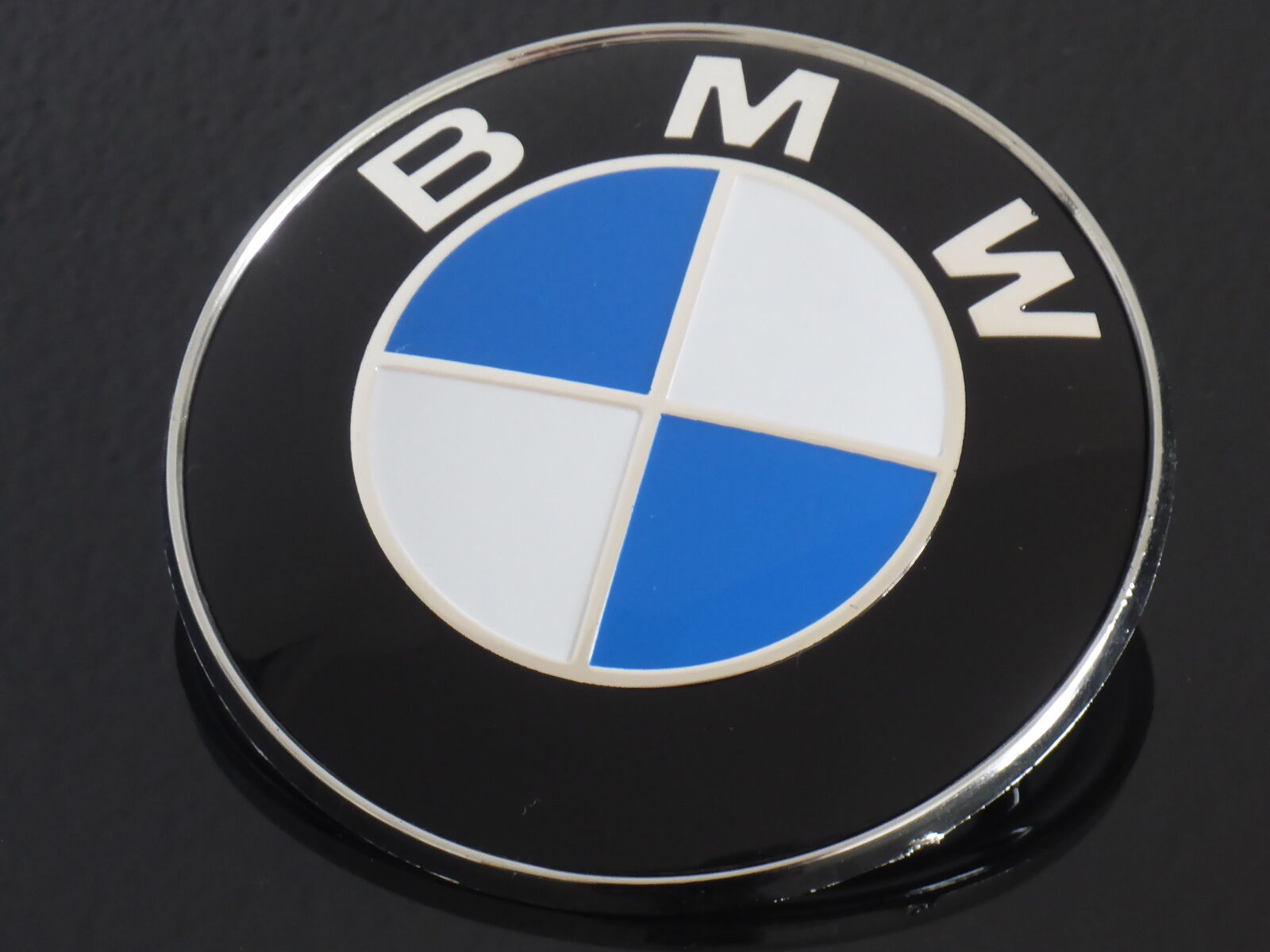 Auto-Ersatz- & -Reparaturteile BMW Emblem Motorhaube geprgt E30 ...