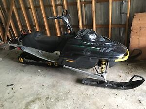 2001 summit 800 HO