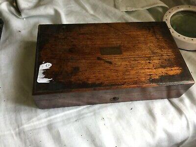 ANTIQUE SMALL MAHOGANY BOX, A . SEARLE NAME PLATE / 21 X 12.5 X 5CM