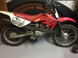 Honda CRF 100F big wheel 2000$ neg AUCUN ECHANGE